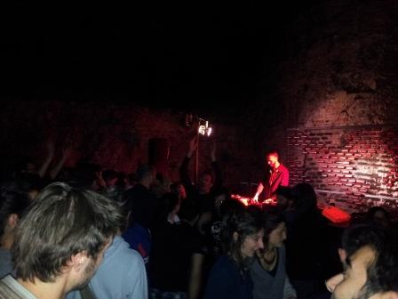 foto dj-set Rough&Tough ai Bastioni Santa Croce di Padova 1